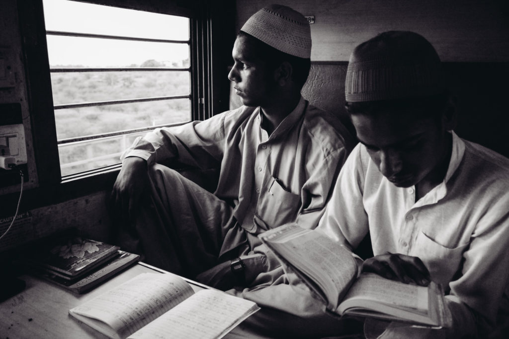the-travel-stories-27-hours-train-india-lukas-sommer-9087